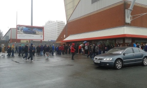Queuing up.. Crewe ID anyone?